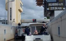 Plavba na otevření Hněvkovic